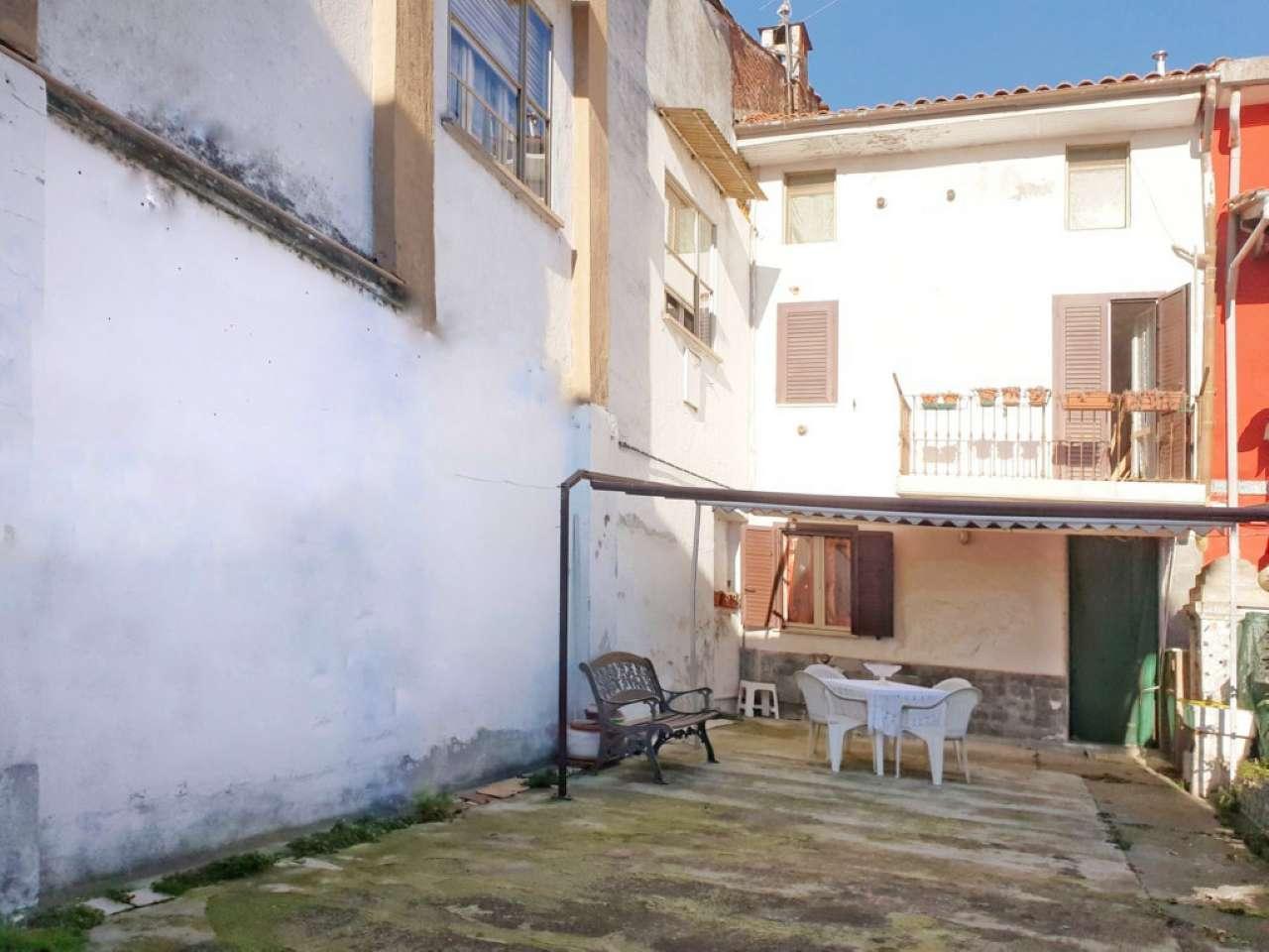 Foto 1 di Casa indipendente via Giovanni Ferraris 22, Palazzolo Vercellese