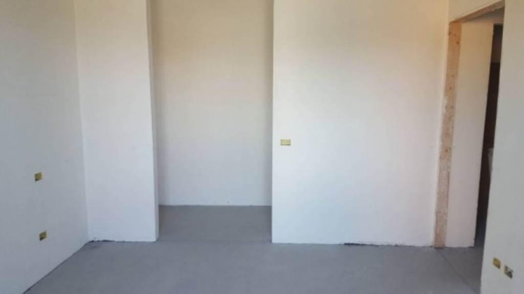 Appartamento in vendita a Fagnano Olona, 3 locali, prezzo € 185.000 | CambioCasa.it