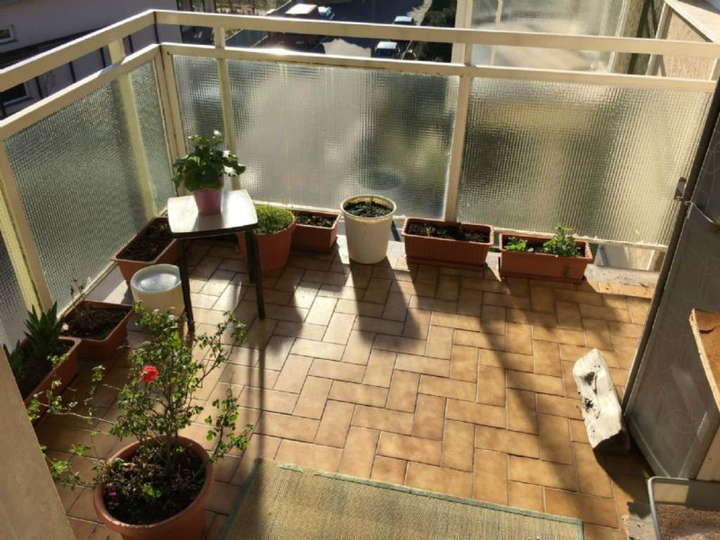 Appartamento in vendita a Gorla Maggiore, 3 locali, prezzo € 85.000 | Cambio Casa.it