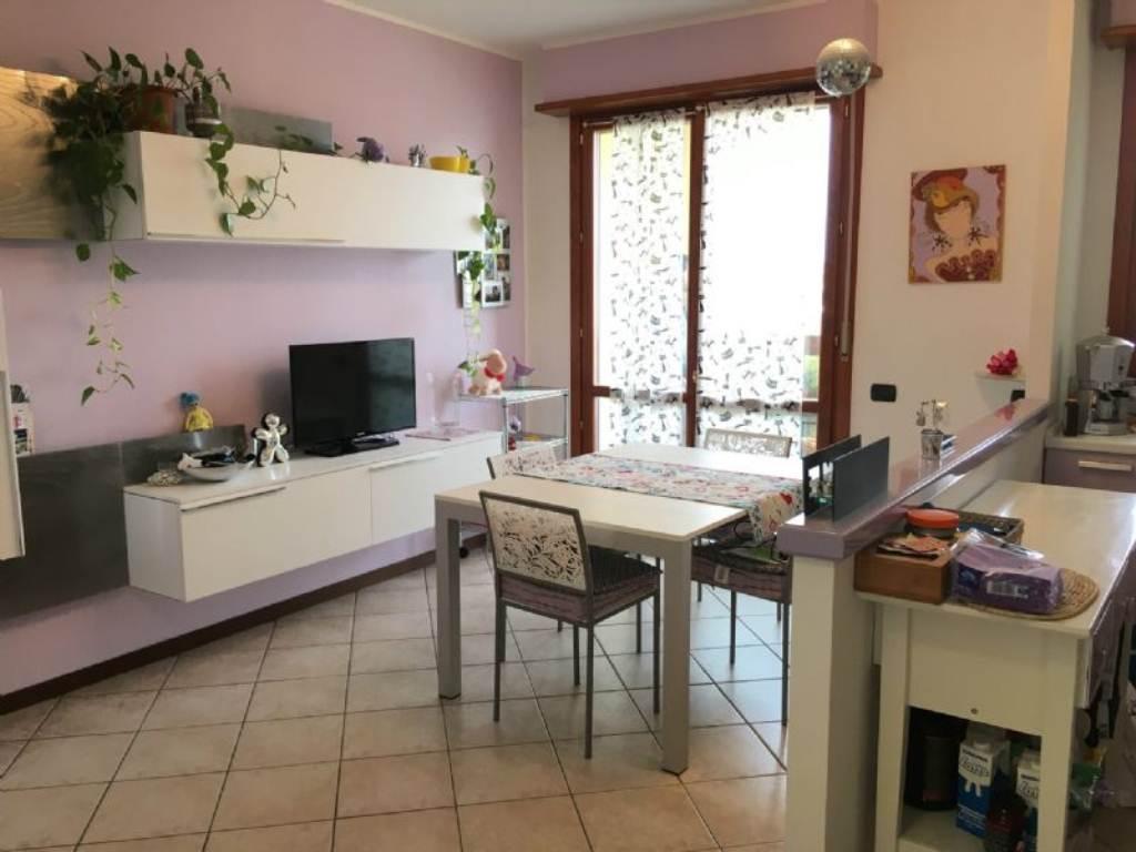 Appartamento in vendita a Gorla Minore, 3 locali, prezzo € 128.000 | Cambio Casa.it