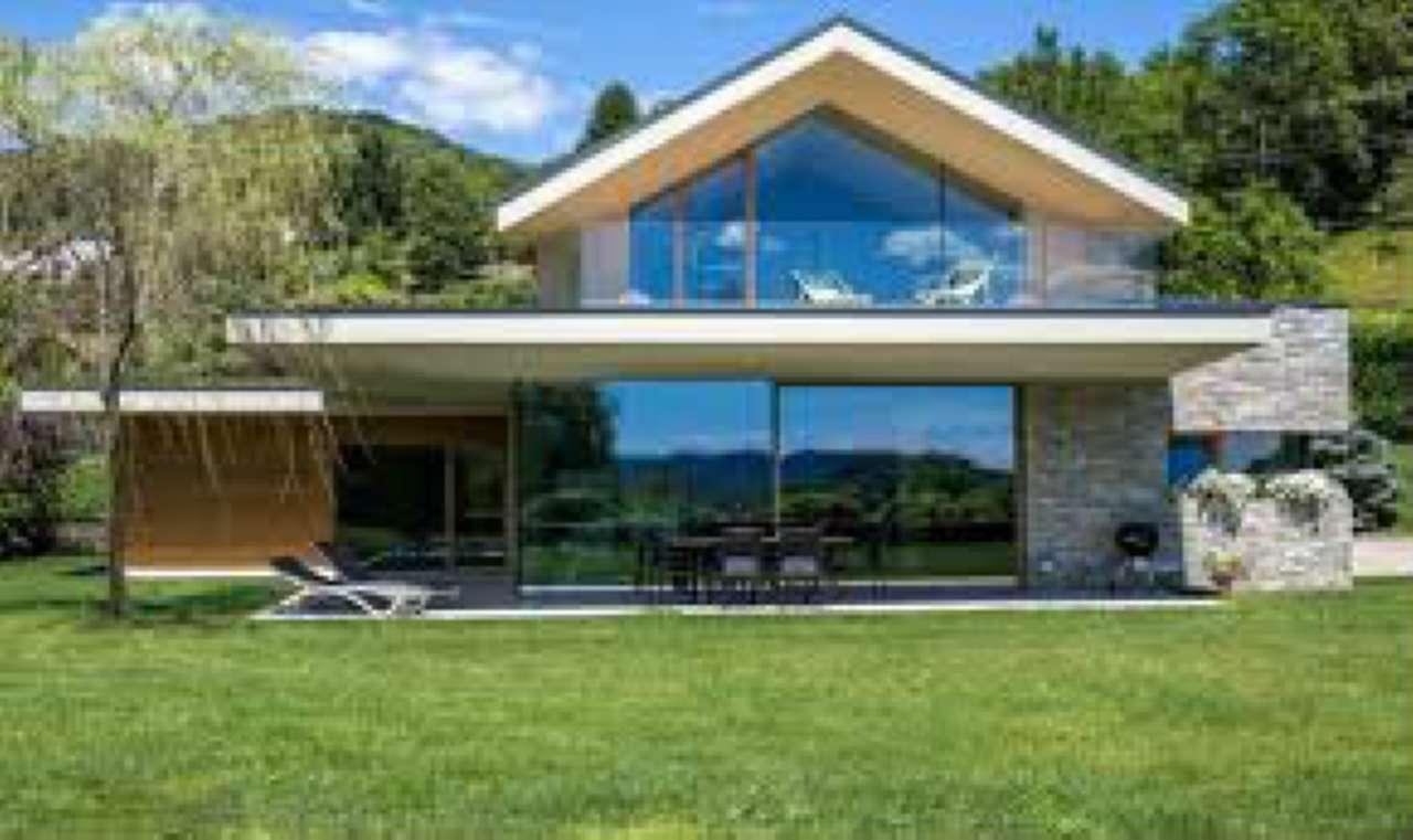 Villa in vendita a Fagnano Olona, 4 locali, prezzo € 1 | CambioCasa.it