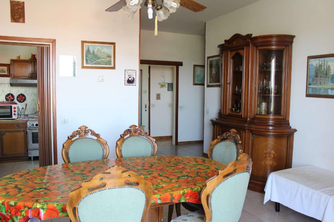 Appartamento in vendita a Gorla Maggiore, 3 locali, prezzo € 118.000 | CambioCasa.it