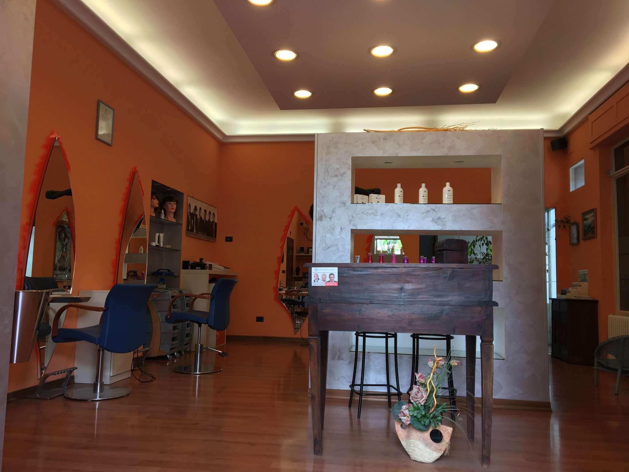 Negozio / Locale in affitto a Gorla Maggiore, 1 locali, prezzo € 550 | CambioCasa.it
