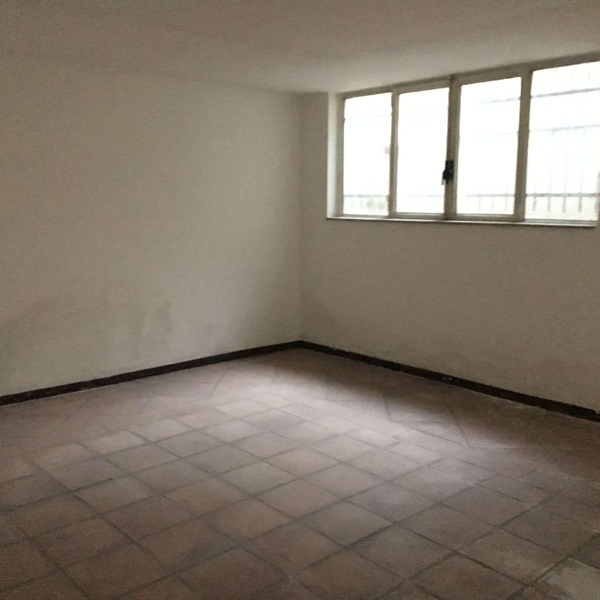 Negozio / Locale in affitto a Solbiate Olona, 2 locali, prezzo € 600 | CambioCasa.it