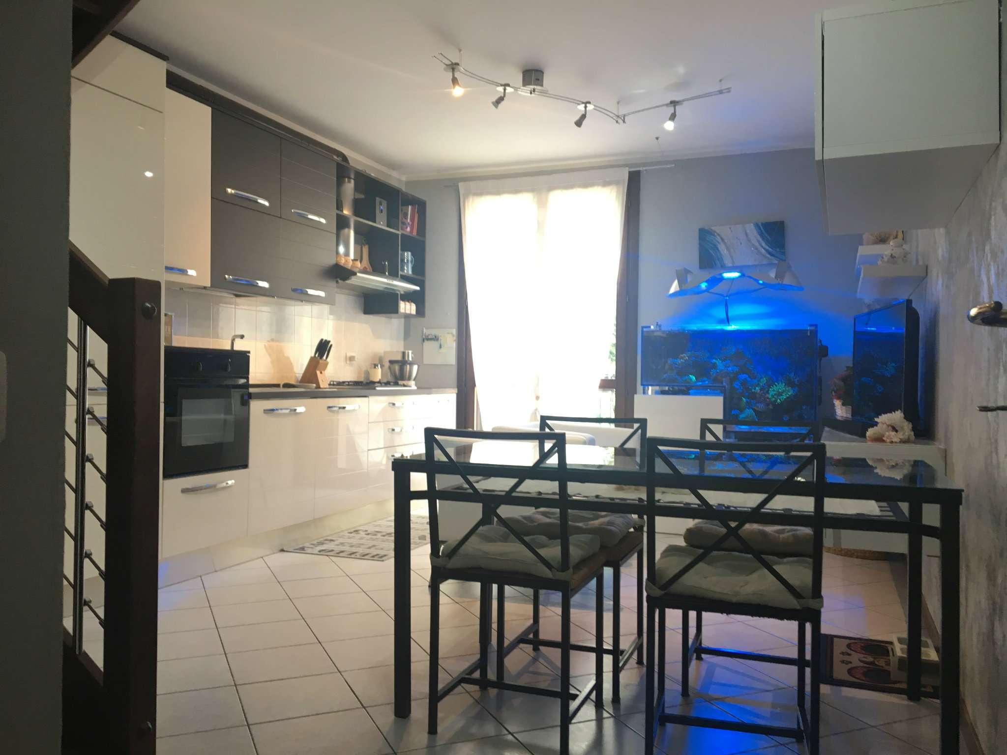 Appartamento in vendita a Carbonate, 3 locali, prezzo € 135.000   CambioCasa.it