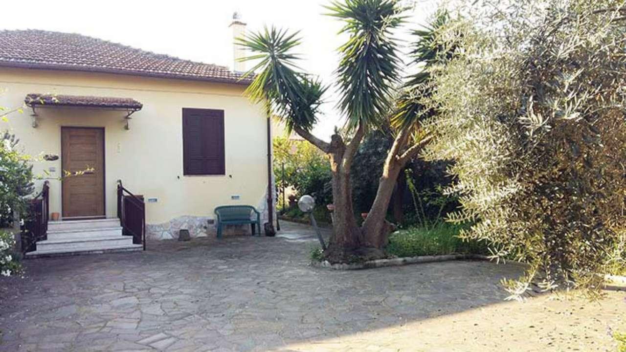 Villa in vendita a Ciampino, 4 locali, prezzo € 370.000 | Cambio Casa.it