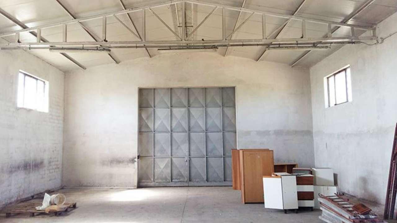 Laboratorio in affitto a Roma, 1 locali, zona Zona: 37 . Morena - Ciampino - Trigoria - Falcognana, prezzo € 1.150 | Cambio Casa.it