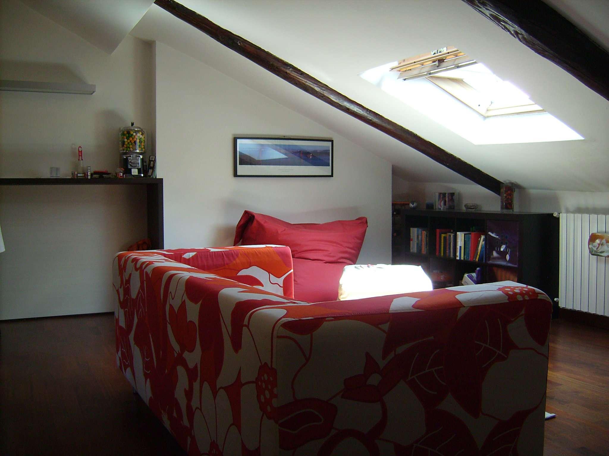 Attico / Mansarda in affitto a Torino, 2 locali, zona Zona: 9 . San Donato, Cit Turin, Campidoglio, , prezzo € 500   Cambio Casa.it