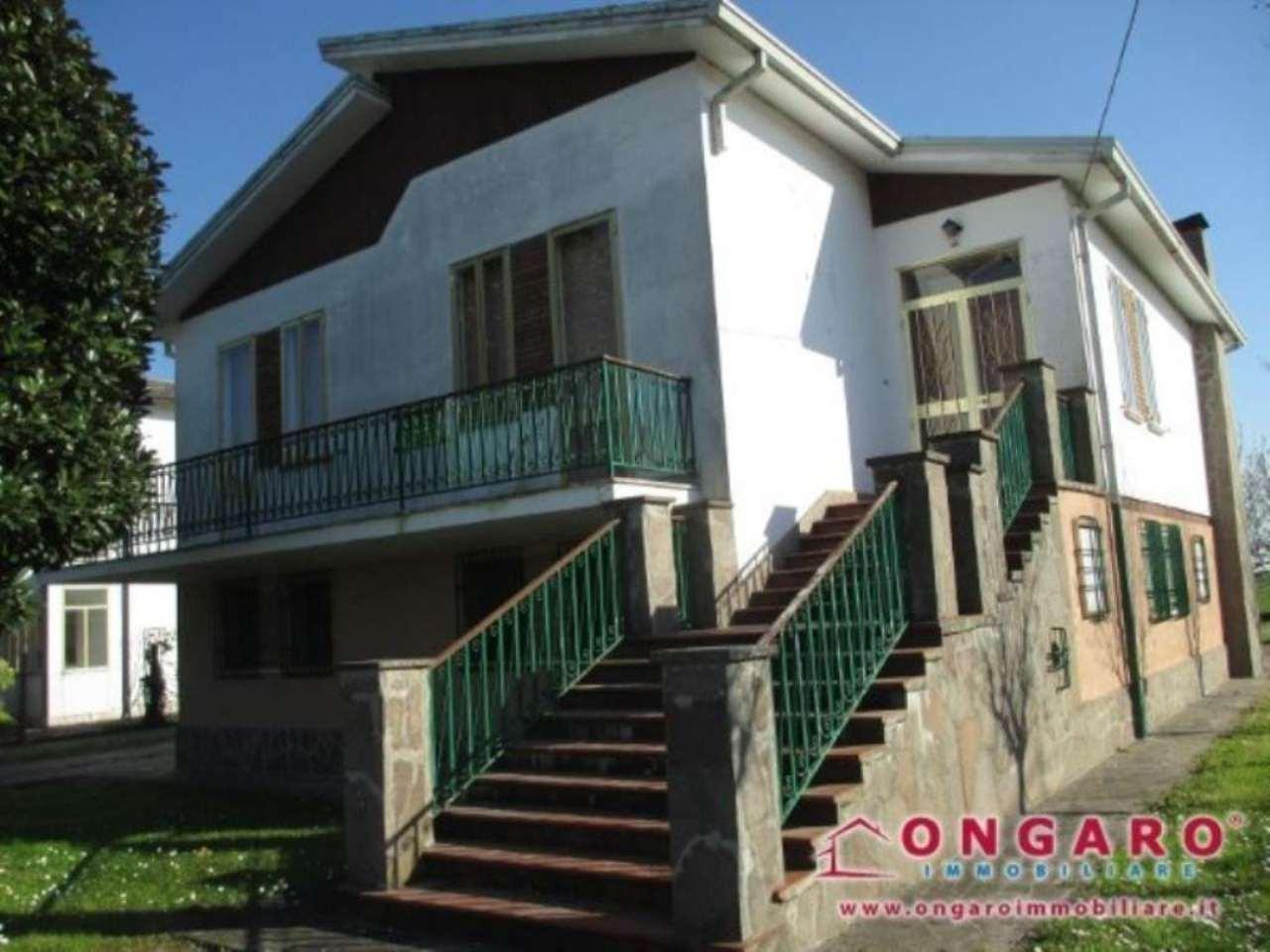 Villa in vendita a Copparo, 6 locali, prezzo € 110.000 | Cambio Casa.it
