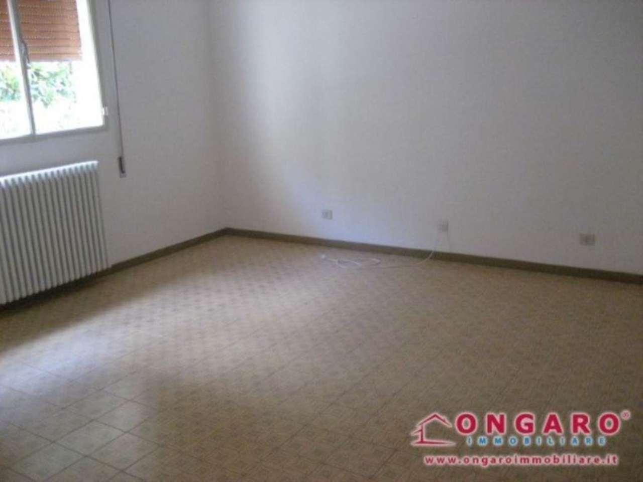 Appartamento in vendita a Copparo, 6 locali, prezzo € 105.000 | Cambio Casa.it