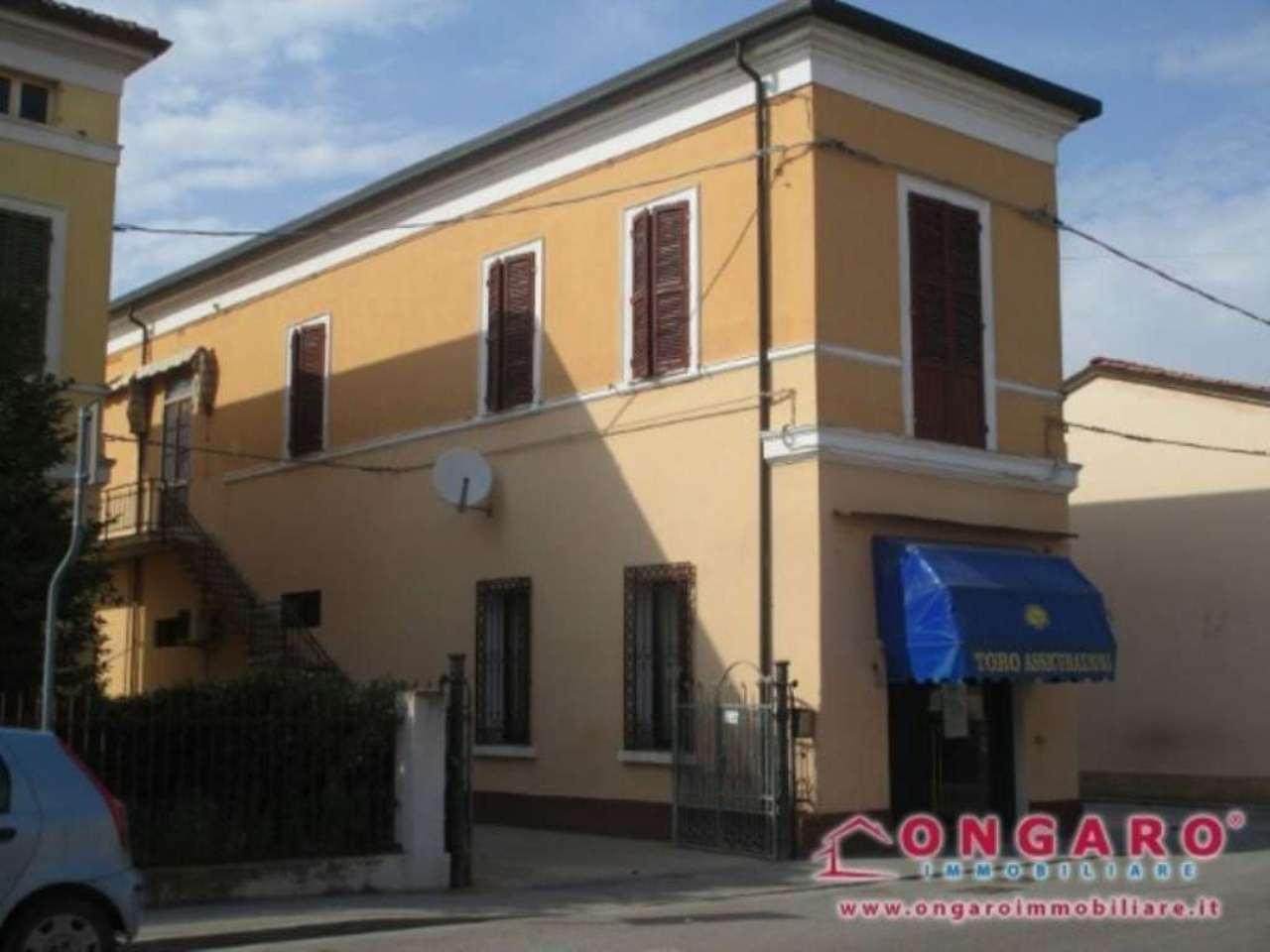 Appartamento in vendita a Copparo, 6 locali, prezzo € 180.000 | Cambio Casa.it