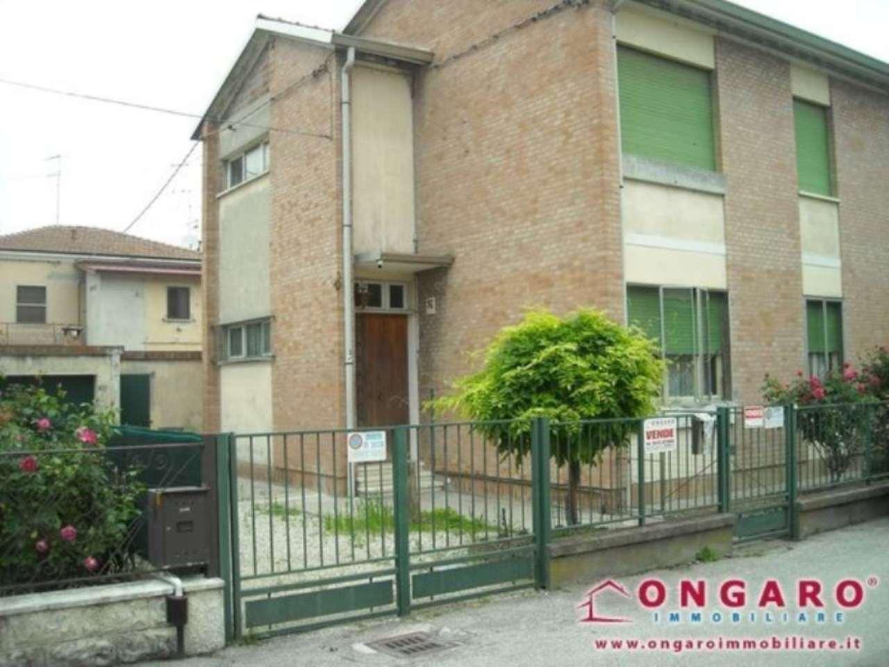 Appartamento in vendita a Copparo, 6 locali, prezzo € 75.000 | Cambio Casa.it