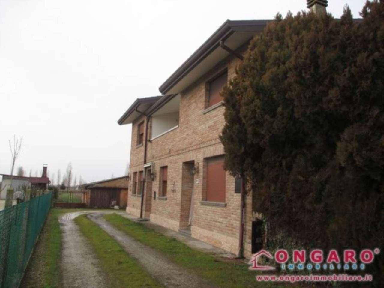 Soluzione Indipendente in vendita a Copparo, 6 locali, prezzo € 135.000 | Cambio Casa.it