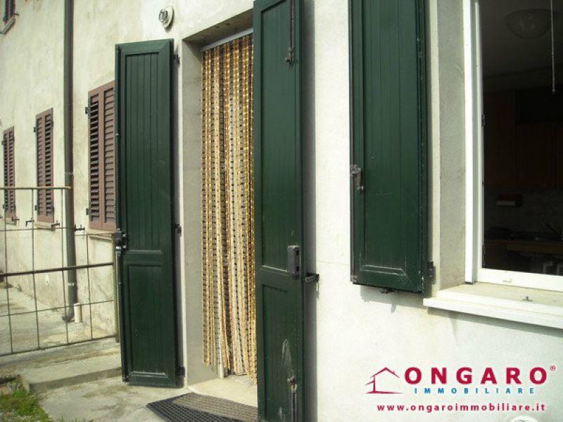 Soluzione Semindipendente in vendita a Ro, 5 locali, prezzo € 28.000 | Cambio Casa.it