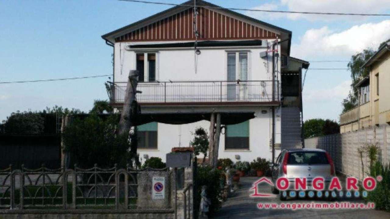 Soluzione Indipendente in vendita a Copparo, 10 locali, prezzo € 220.000 | Cambio Casa.it