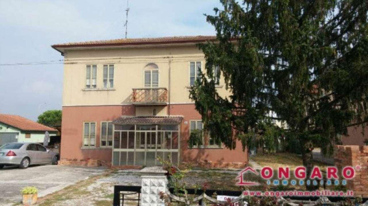 Soluzione Indipendente in vendita a Jolanda di Savoia, 6 locali, prezzo € 49.000 | Cambio Casa.it