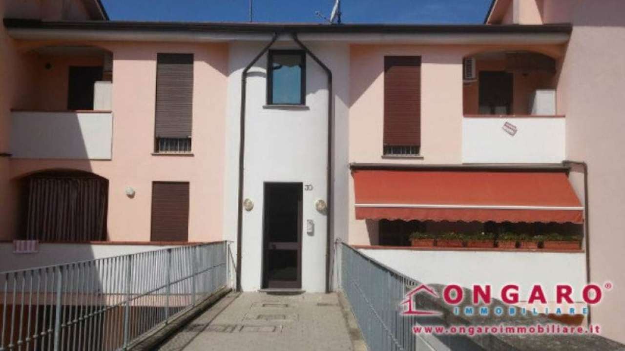 Appartamento in vendita a Copparo, 4 locali, prezzo € 100.000 | Cambio Casa.it