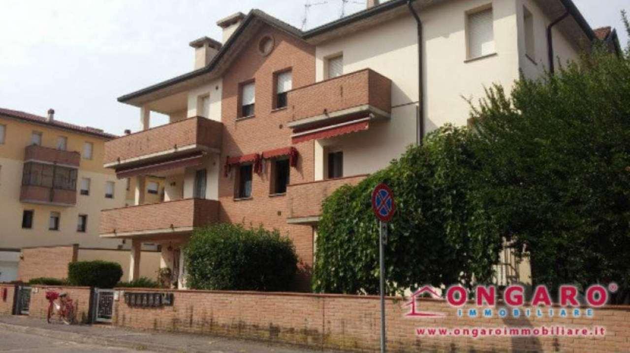Appartamento in vendita a Copparo, 4 locali, prezzo € 67.000 | Cambio Casa.it