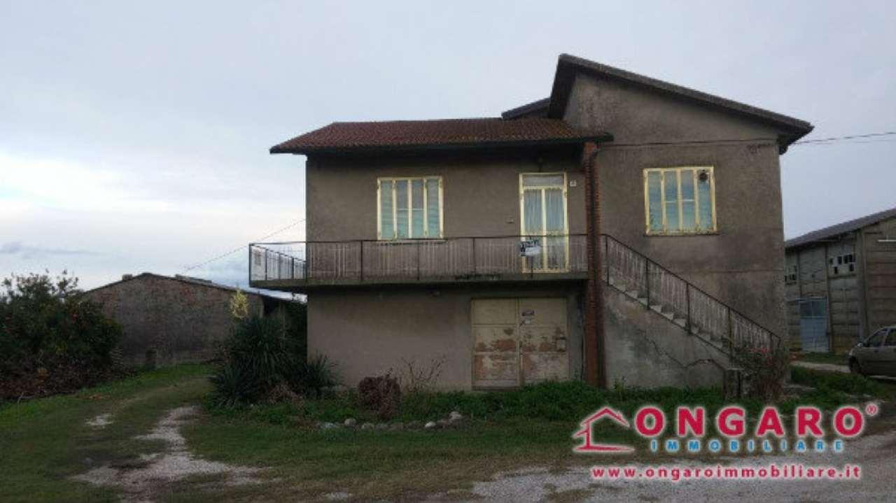 Soluzione Indipendente in vendita a Berra, 6 locali, prezzo € 80.000 | Cambio Casa.it