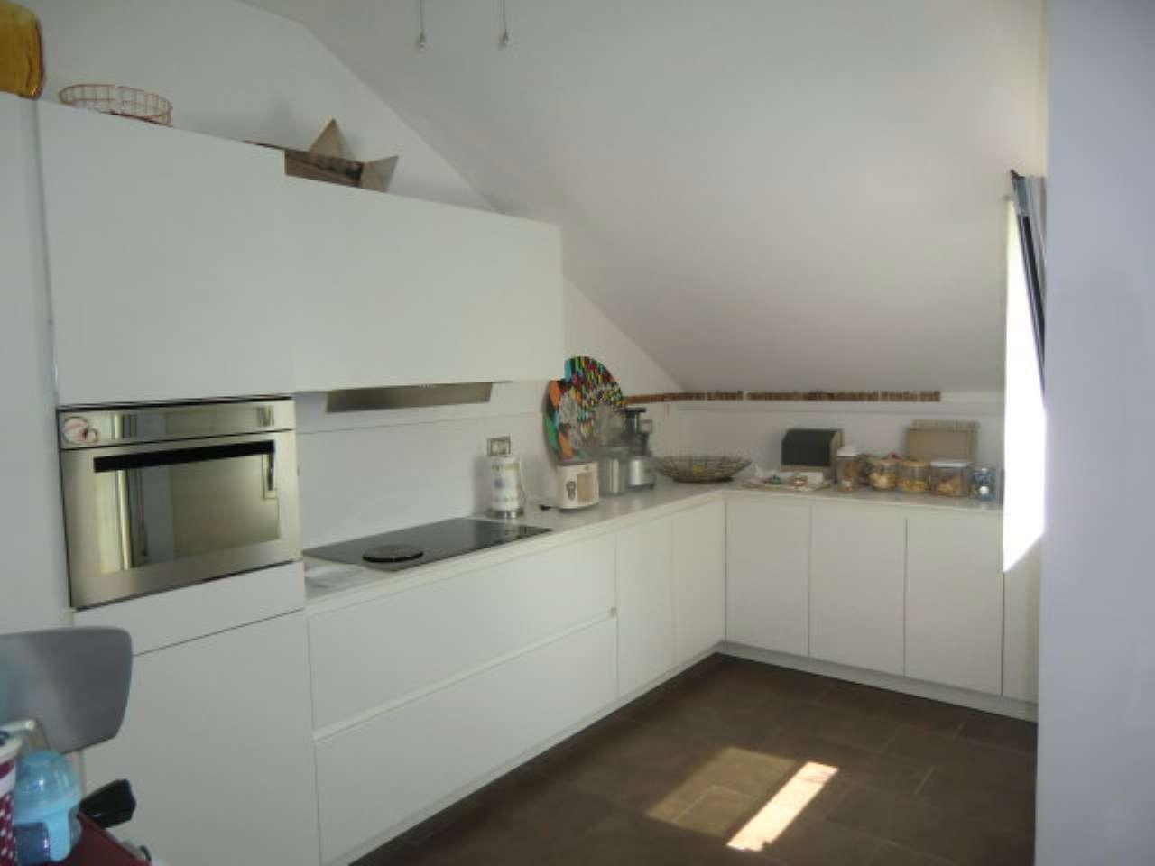 Attico / Mansarda in affitto a Padova, 6 locali, zona Zona: 1 . Centro, prezzo € 1.900 | CambioCasa.it