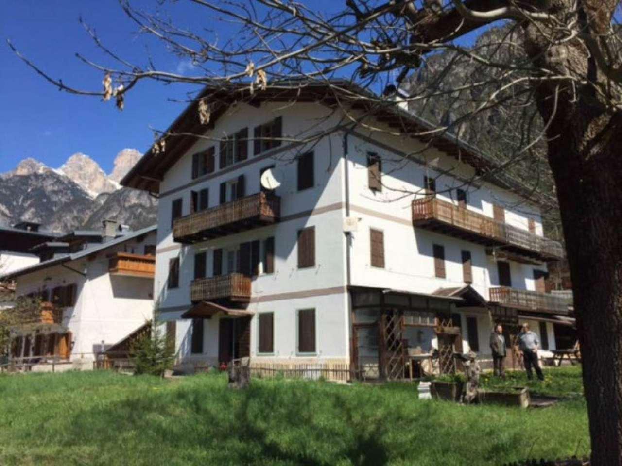 Soluzione Indipendente in vendita a Auronzo di Cadore, 13 locali, prezzo € 265.000 | Cambio Casa.it