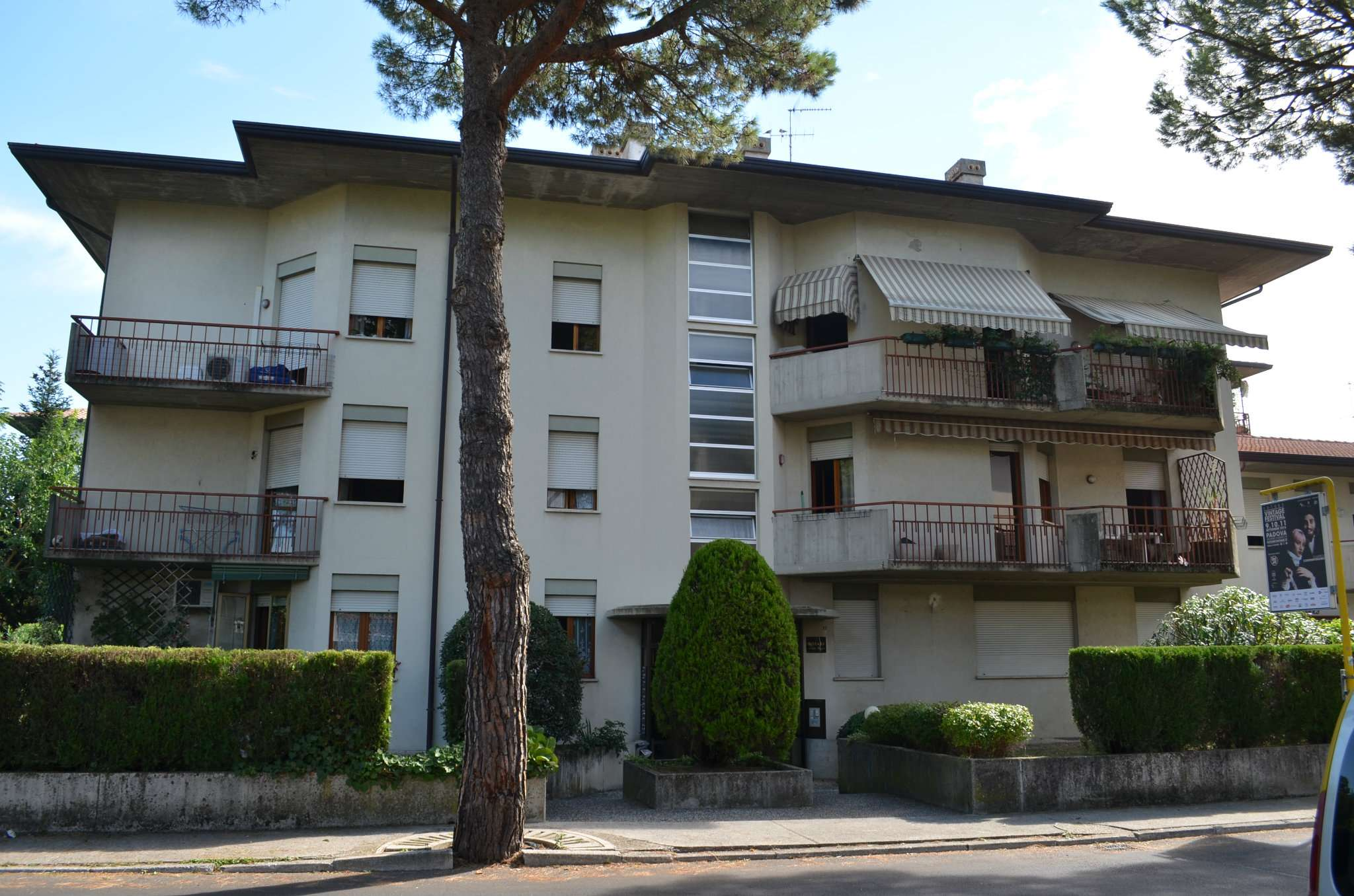 Appartamento in vendita a Bassano del Grappa, 5 locali, prezzo € 100.000 | Cambio Casa.it