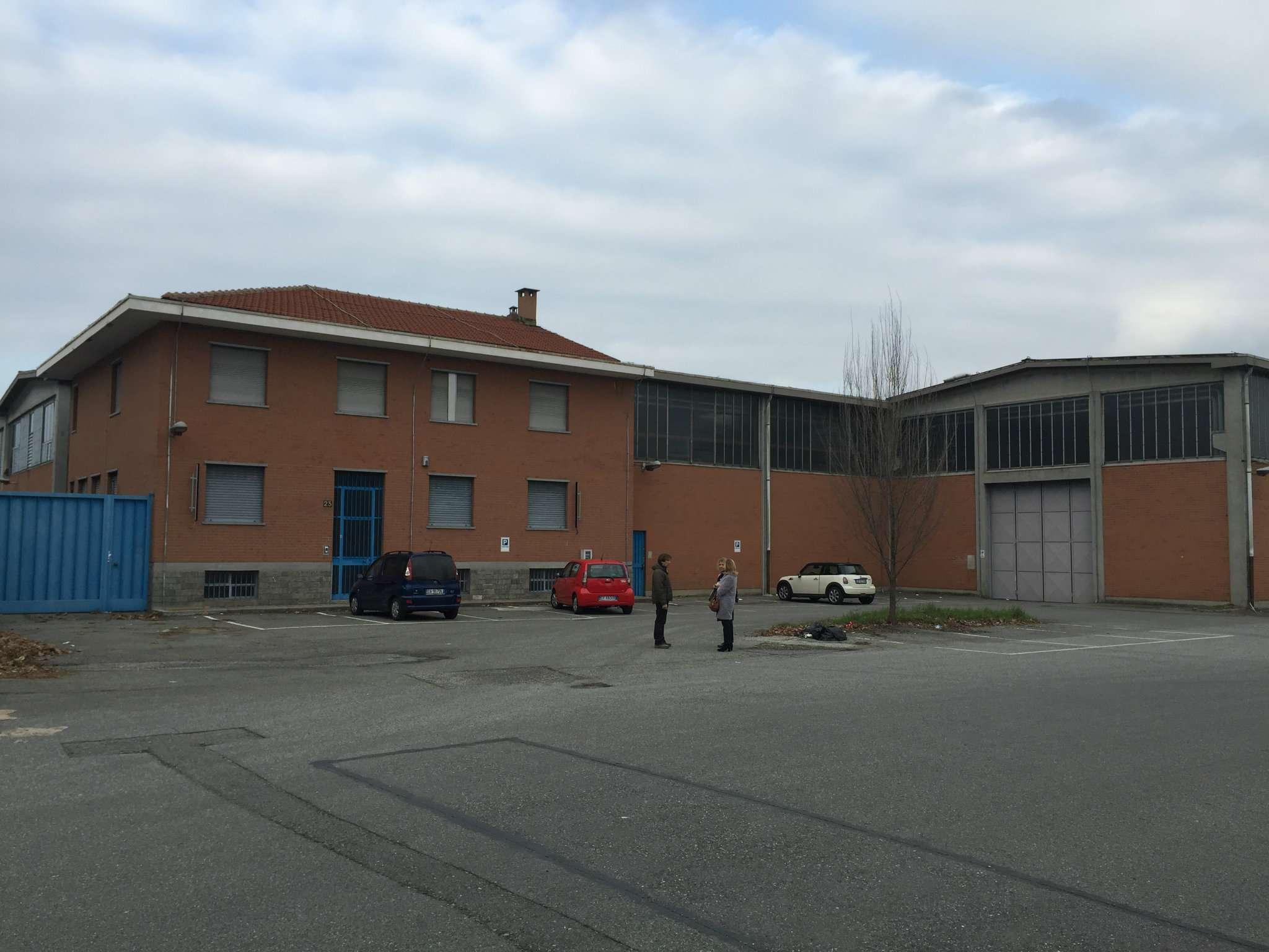 Capannone in vendita a Borgaro Torinese, 9999 locali, Trattative riservate | Cambio Casa.it