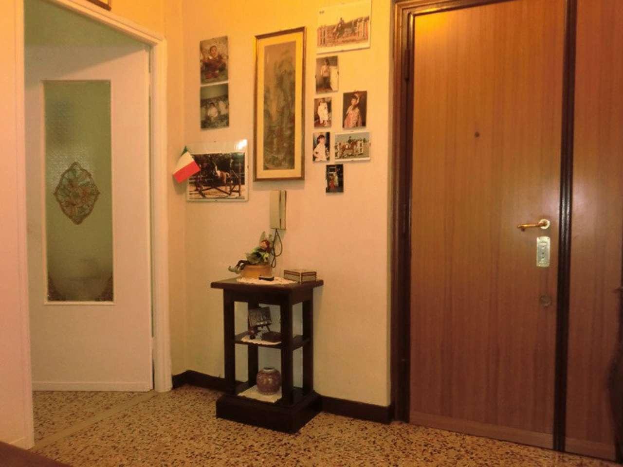 Appartamento in vendita 3 vani 80 mq.  via Bartolomeo Avanzini Roma