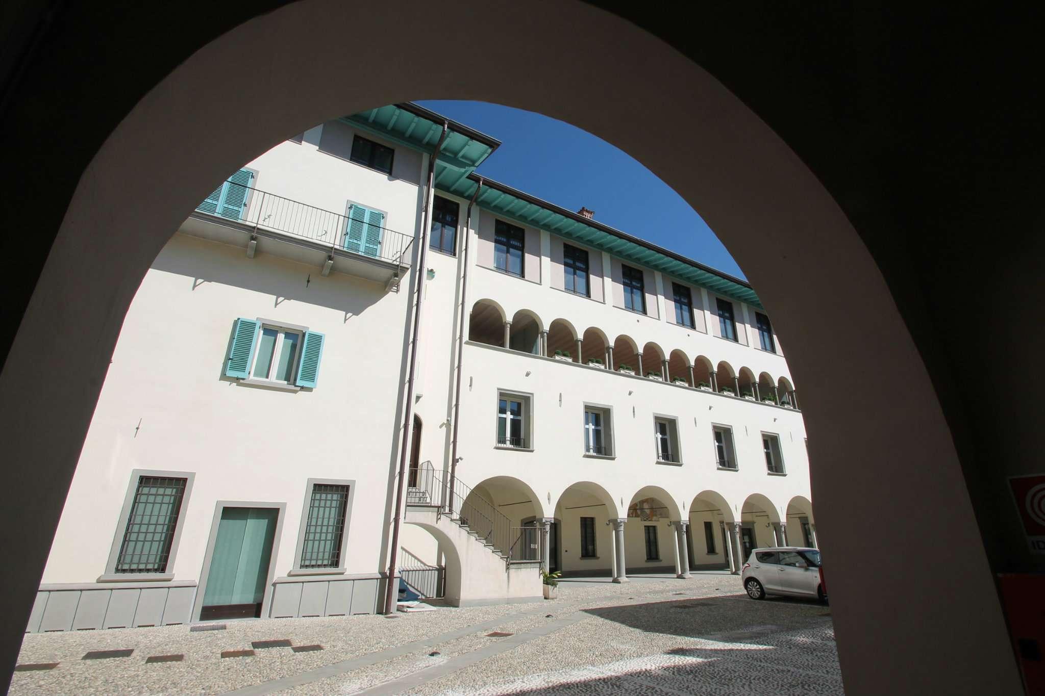 Appartamento in vendita a Lovere, 4 locali, prezzo € 460.000 | CambioCasa.it