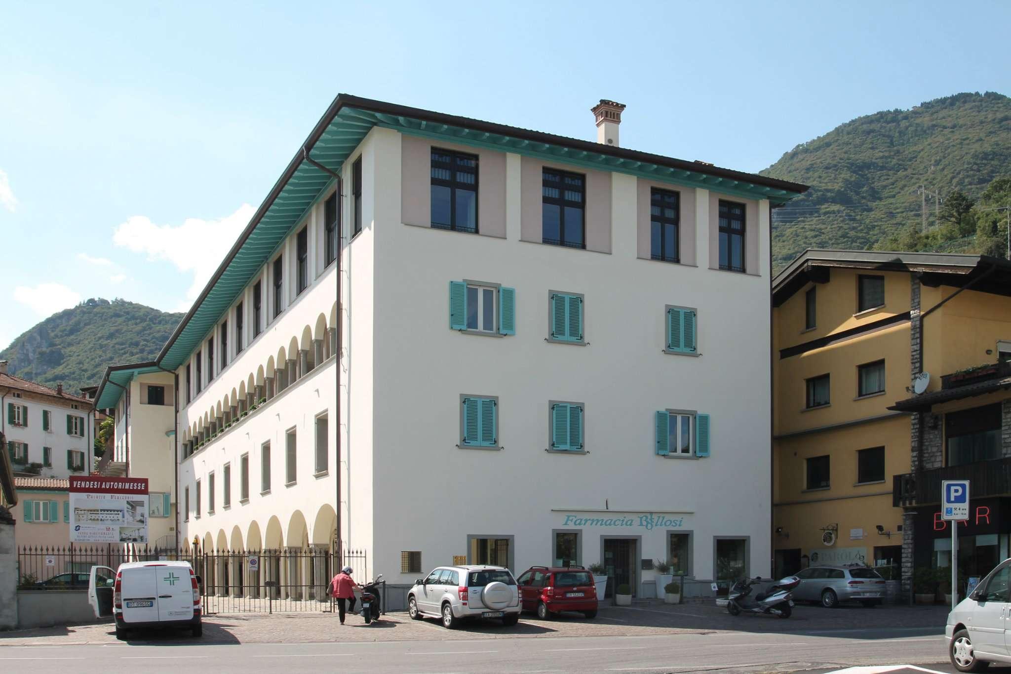 Appartamento in vendita a Lovere, 4 locali, prezzo € 480.000   Cambio Casa.it