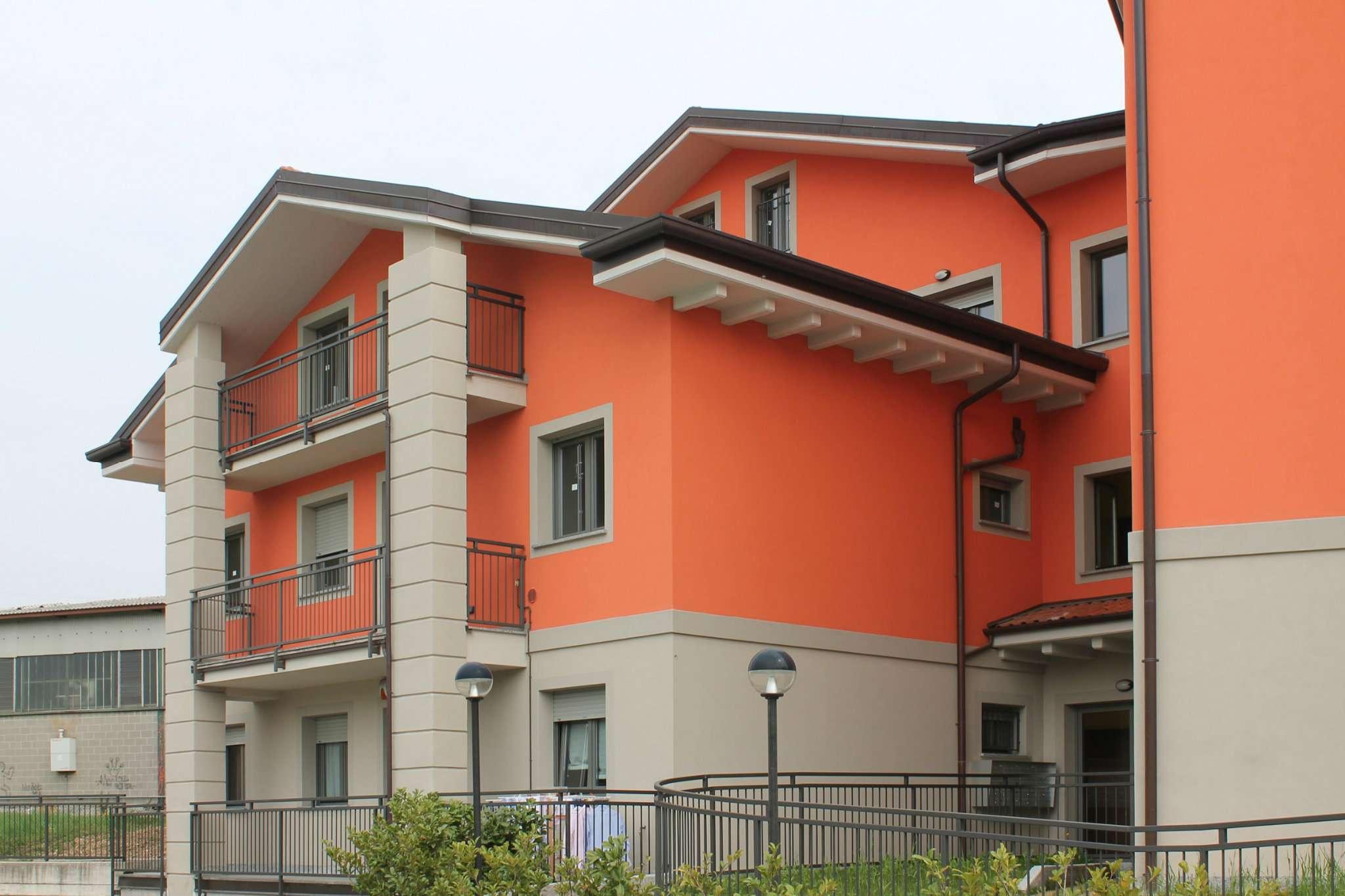 Appartamento in vendita a Cremella, 3 locali, prezzo € 155.000 | Cambio Casa.it