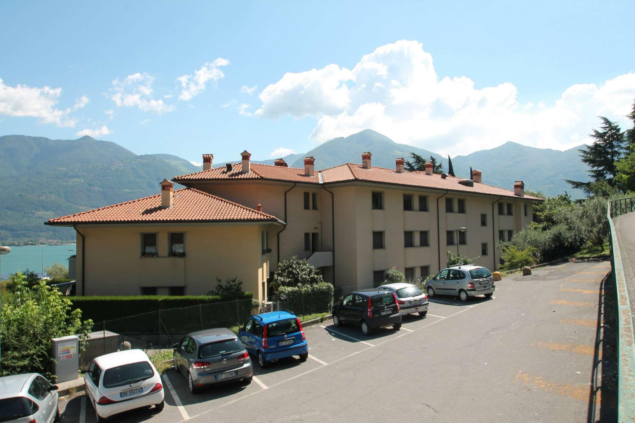 Appartamento in vendita a Lovere, 4 locali, prezzo € 220.000 | CambioCasa.it