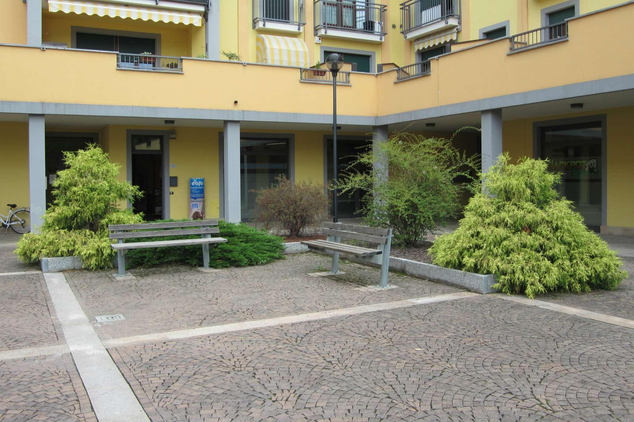 Negozio / Locale in affitto a Somma Lombardo, 1 locali, prezzo € 600 | Cambio Casa.it