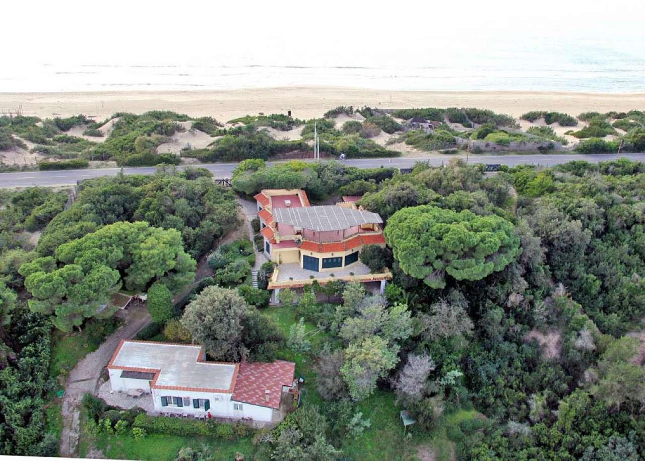 Villa in affitto a Sabaudia, 9 locali, Trattative riservate | CambioCasa.it
