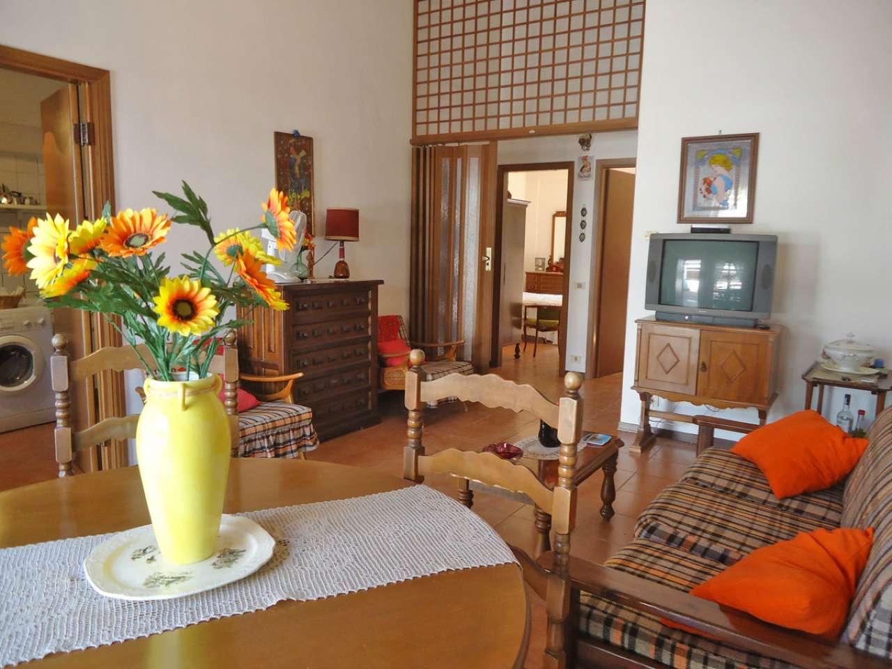 Appartamento in vendita a Sabaudia, 5 locali, prezzo € 148.000 | CambioCasa.it