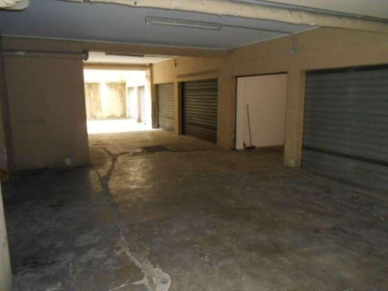 Trova box garage in vendita a milano for Prezzo del garage 16x20