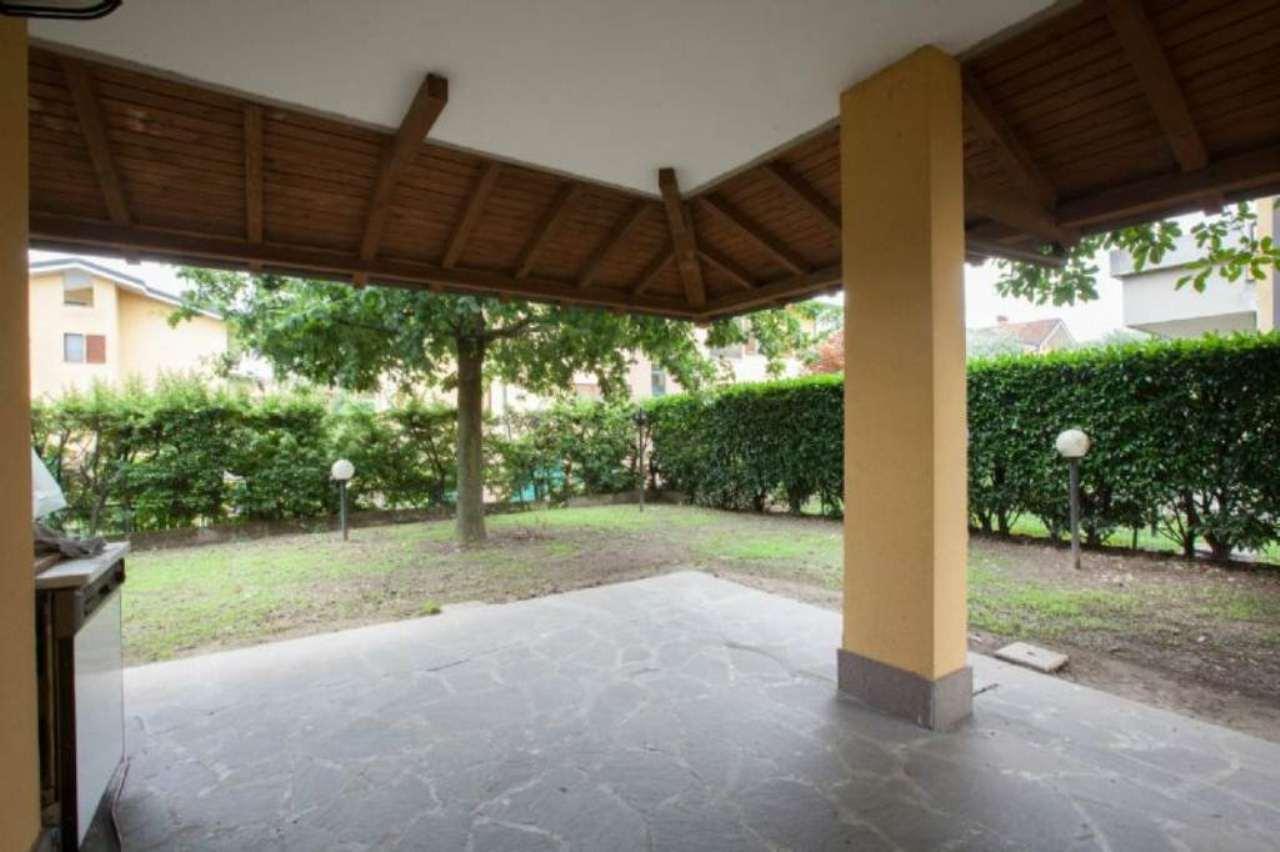 Villa in affitto a Buccinasco, 4 locali, prezzo € 1.700 | Cambio Casa.it
