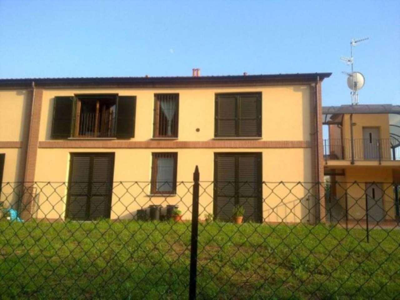 Bilocale Varano Borghi Via Edmondo De Amicis 1