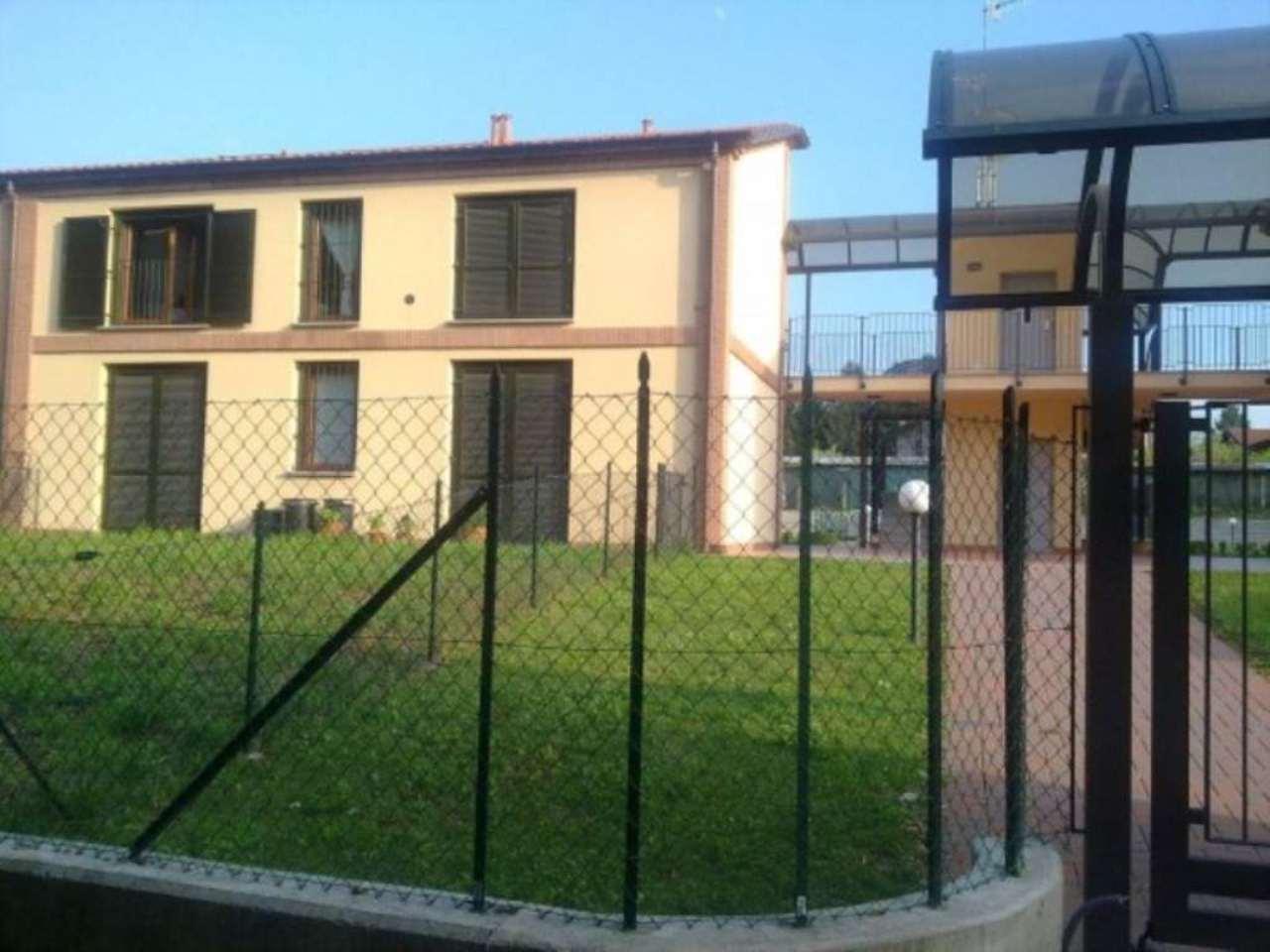 Bilocale Varano Borghi Via Edmondo De Amicis 2