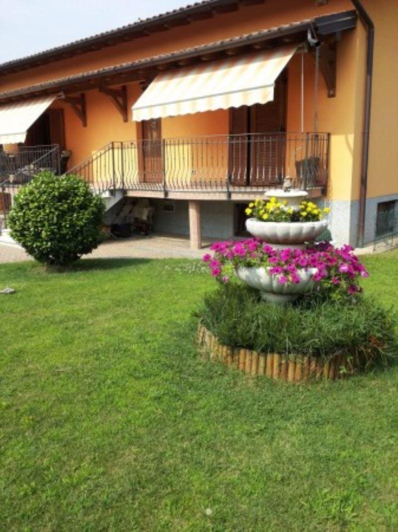 Villa in vendita a Induno Olona, 6 locali, prezzo € 450.000 | Cambio Casa.it