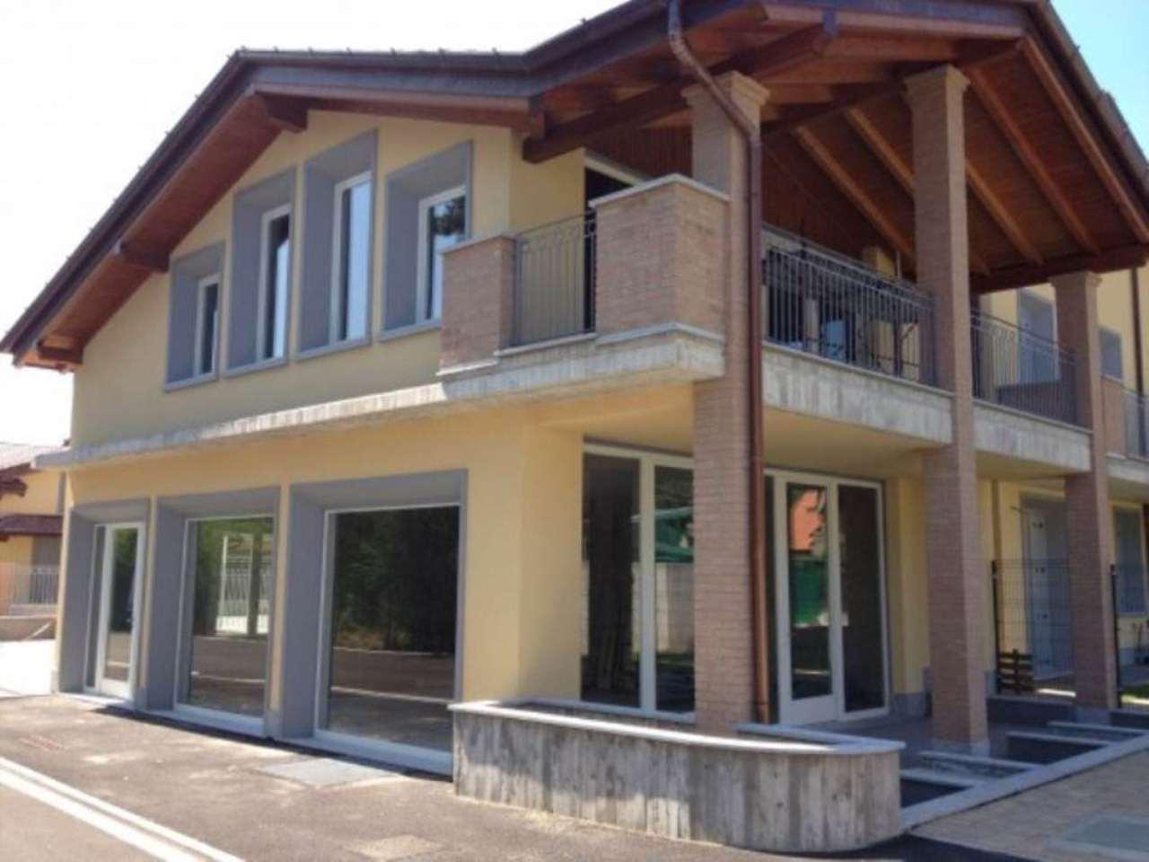 Negozio / Locale in vendita a Castelseprio, 5 locali, prezzo € 220.000 | CambioCasa.it