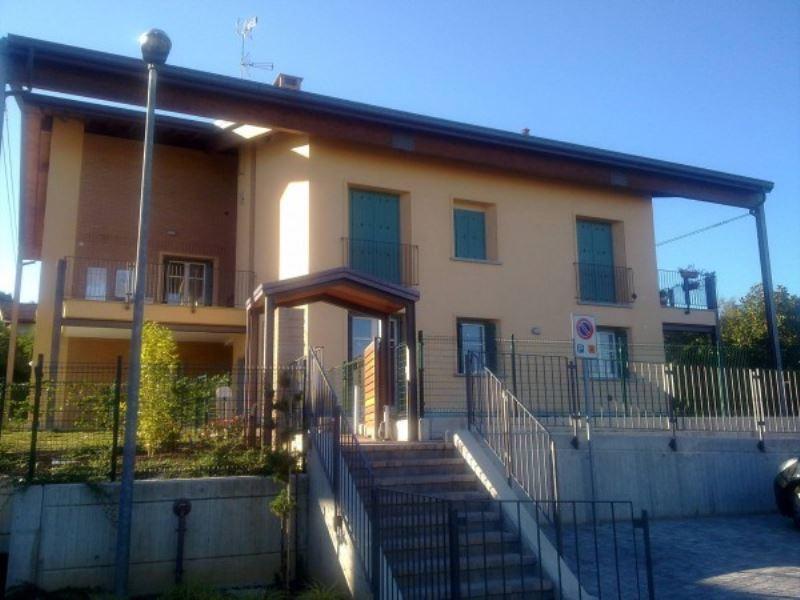 Appartamento in affitto a Ternate, 3 locali, prezzo € 650 | CambioCasa.it