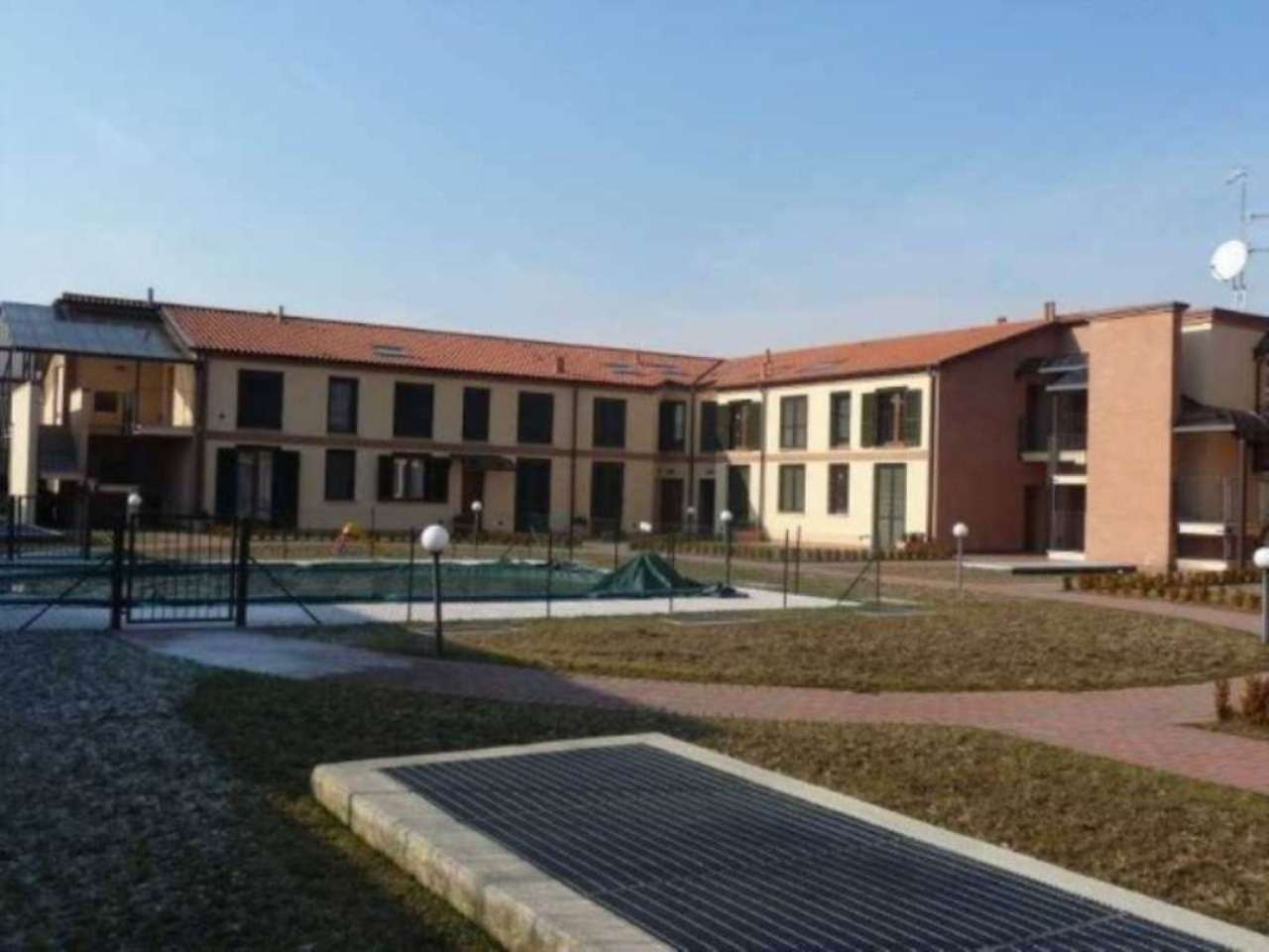 Appartamento in vendita a Varano Borghi, 2 locali, prezzo € 115.000 | Cambio Casa.it