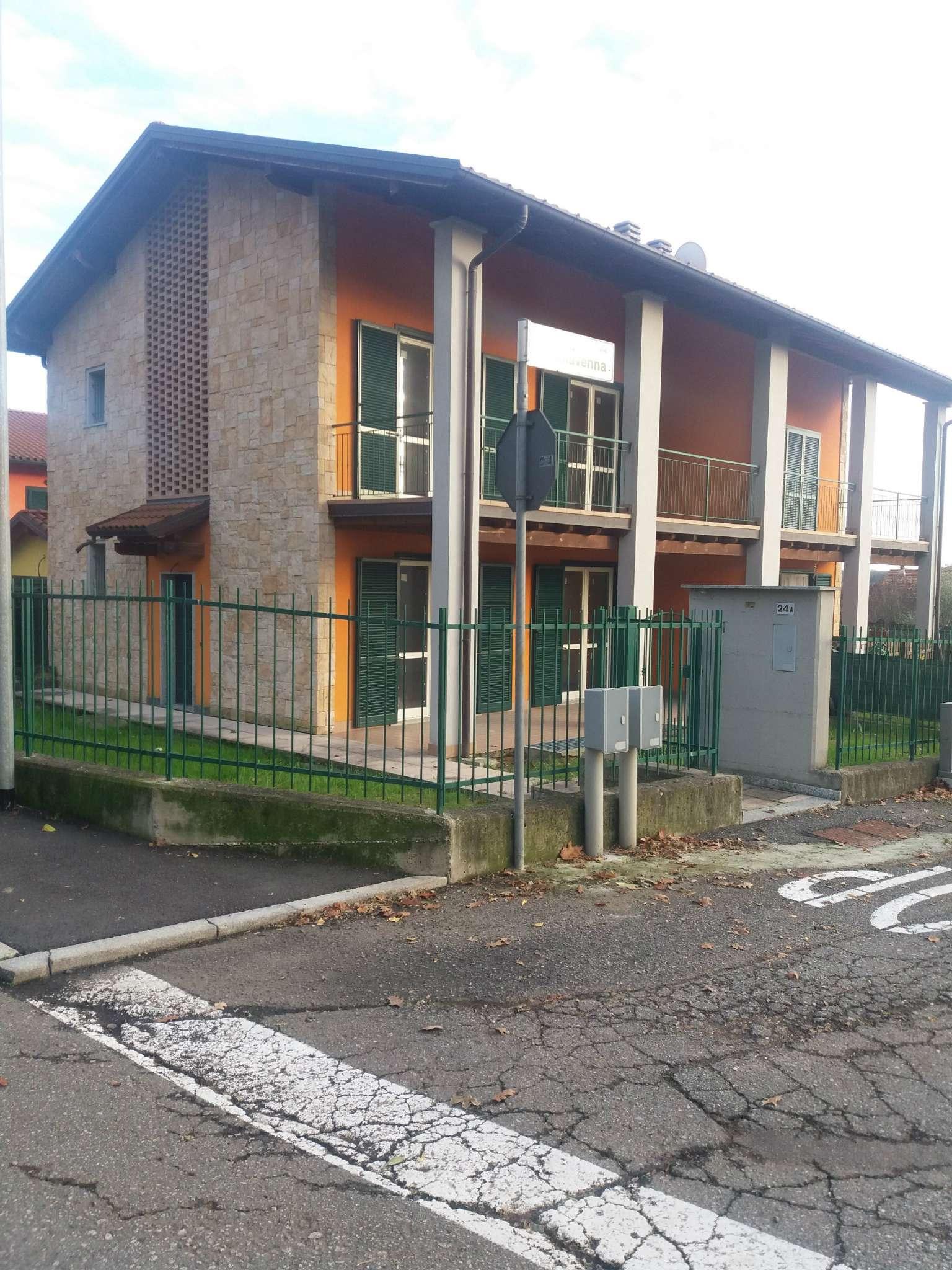 Villa Bifamiliare in Vendita a Besozzo
