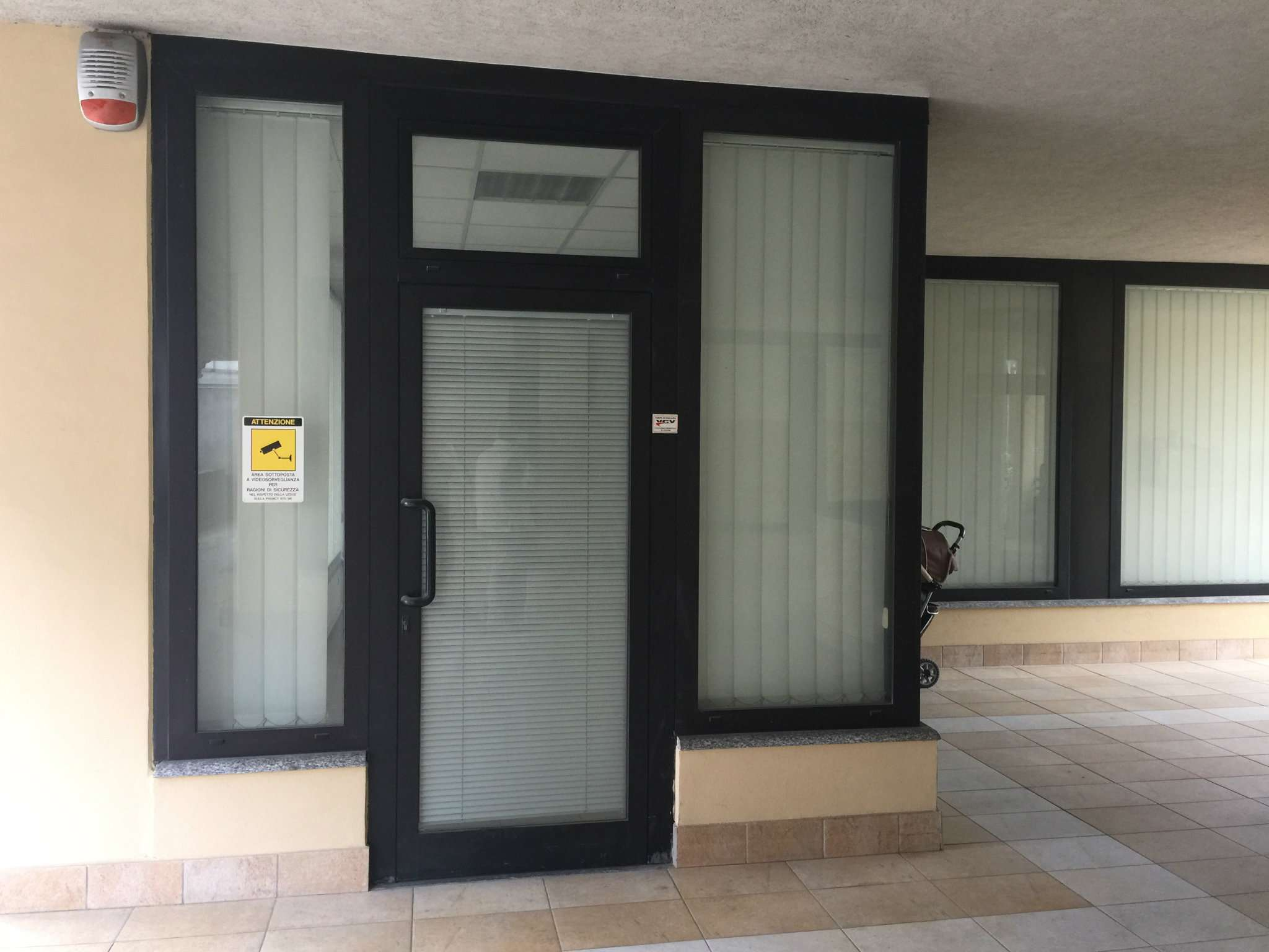 Negozio / Locale in vendita a Varese, 2 locali, prezzo € 135.000 | CambioCasa.it