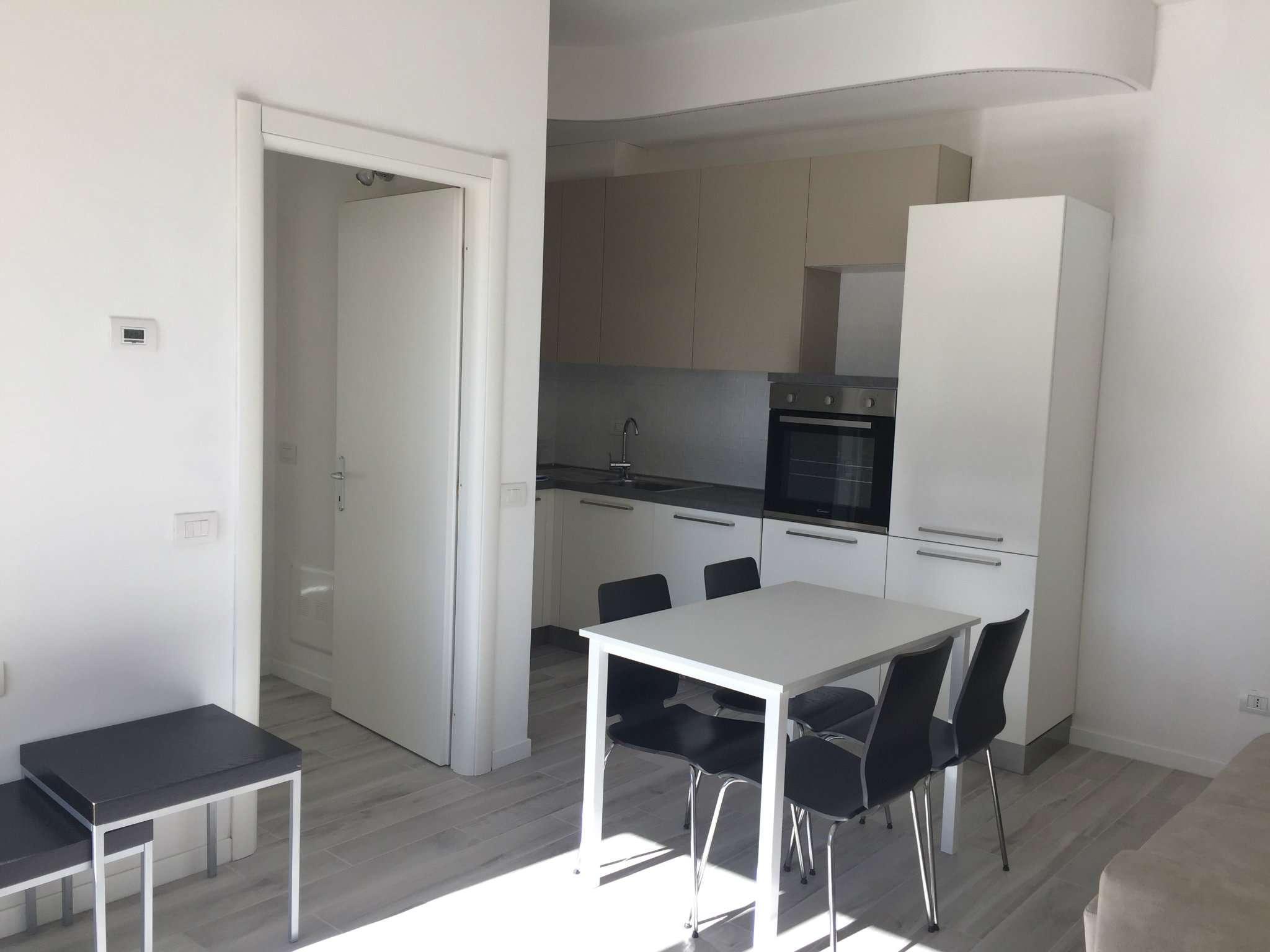 Appartamento in affitto a Gazzada Schianno, 2 locali, prezzo € 550   CambioCasa.it