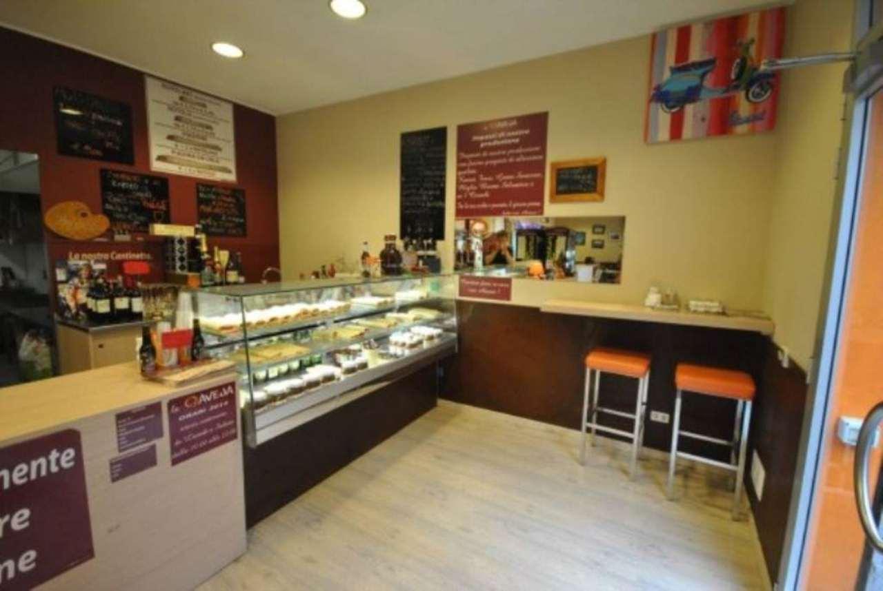 Ristorante / Pizzeria / Trattoria in Vendita a Olgiate Comasco