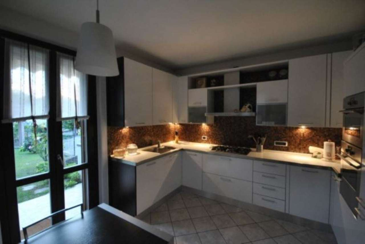 Villa a Schiera in vendita a Inarzo, 4 locali, prezzo € 265.000 | Cambio Casa.it