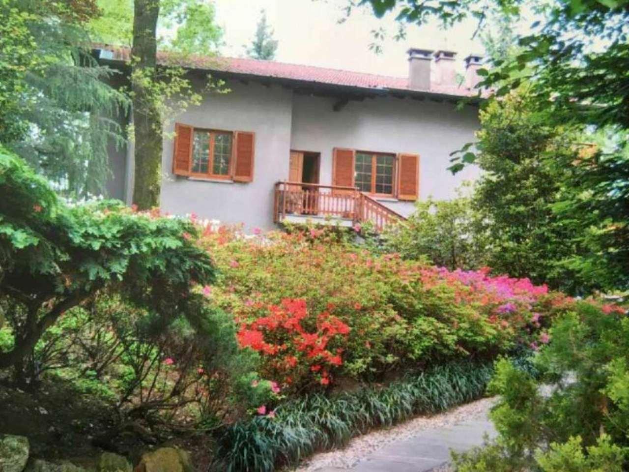 Villa in vendita a Induno Olona, 10 locali, prezzo € 650.000 | Cambio Casa.it
