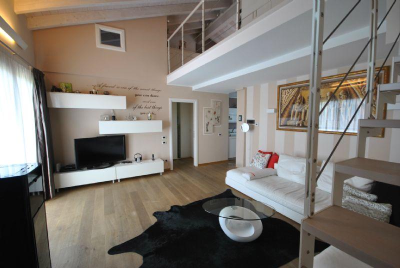 Appartamento in Vendita a Daverio